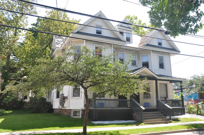 18-20 North Union st. Burlington, Vermont apartment that is available for rent.