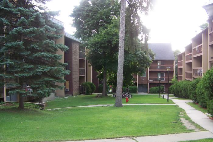 Hill Gardens apartment for rent in Burlington  Vermont. Champlain Apartments   Hill Gardens Condominiums